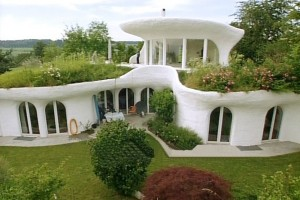 12 Awesome Homes Built With Recycled Material (Including a Man-Made ...