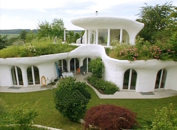 a green earthship