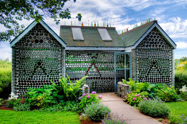 house built out of 25000 glass bottles