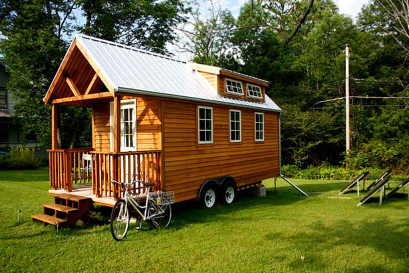 16 types of tiny mobile homes which nomadic living space Tiny little houses on wheels