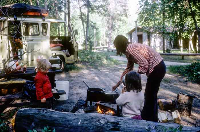 reasons-to-travel-in-a-van-cooking-outside
