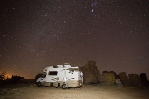 rv-boondocking-under-the-stars